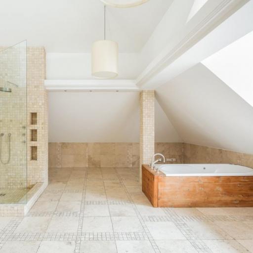 https://woodstonebathrooms-static.localinsights.site/images/cm/d825667e86c9a9698d196b60819399de.jpg